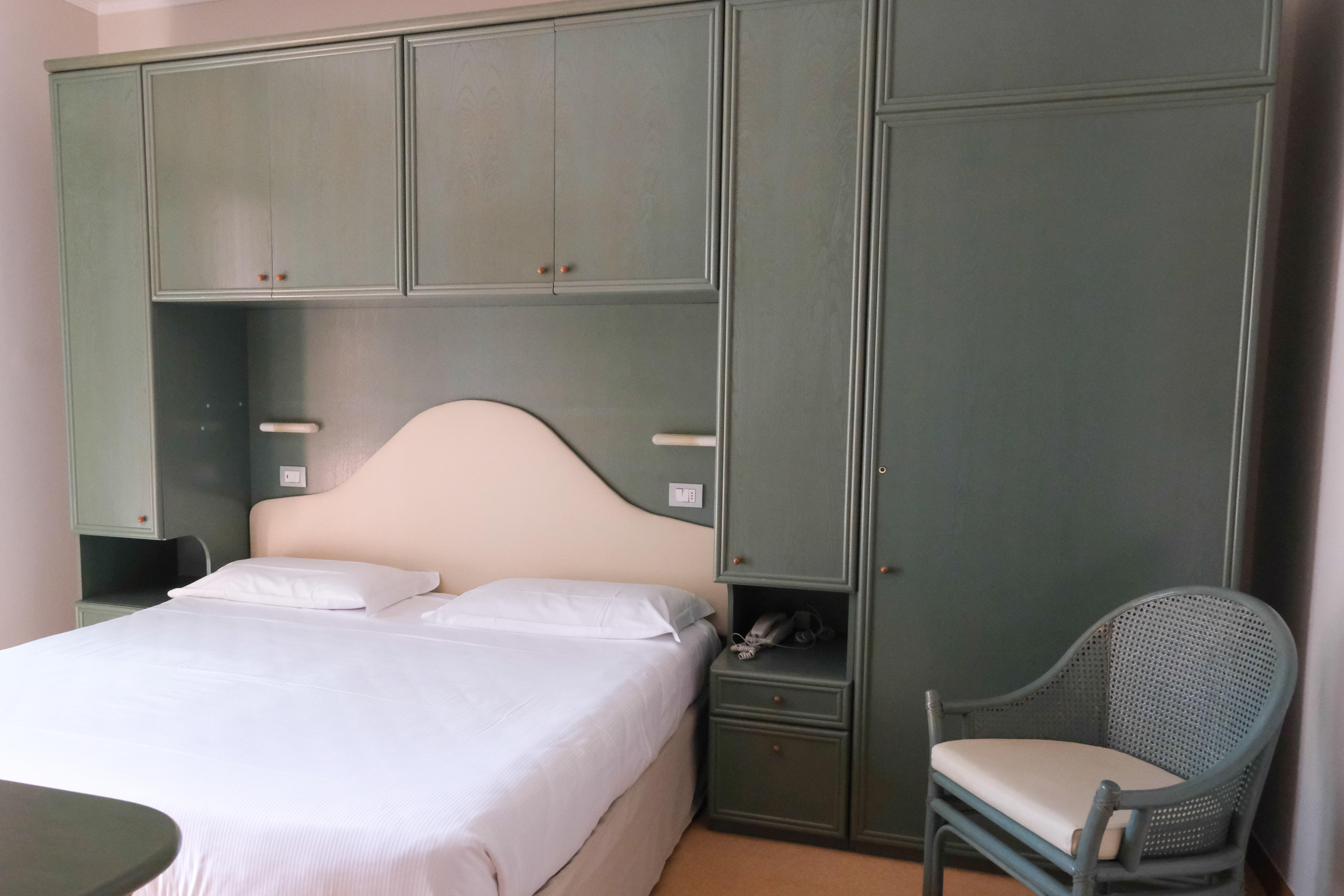 Zimmer direkt zum Hauptstasse A.Bafile